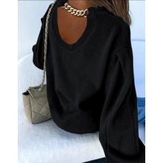 Sweter damski oversize z bufiastym rękawem i ozdobnym łańcuchem czarny