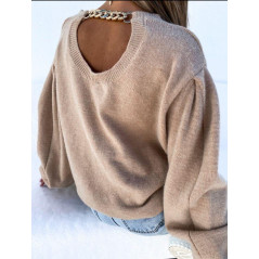 Sweter damski oversize z bufiastym rękawem i ozdobnym łańcuchem beige