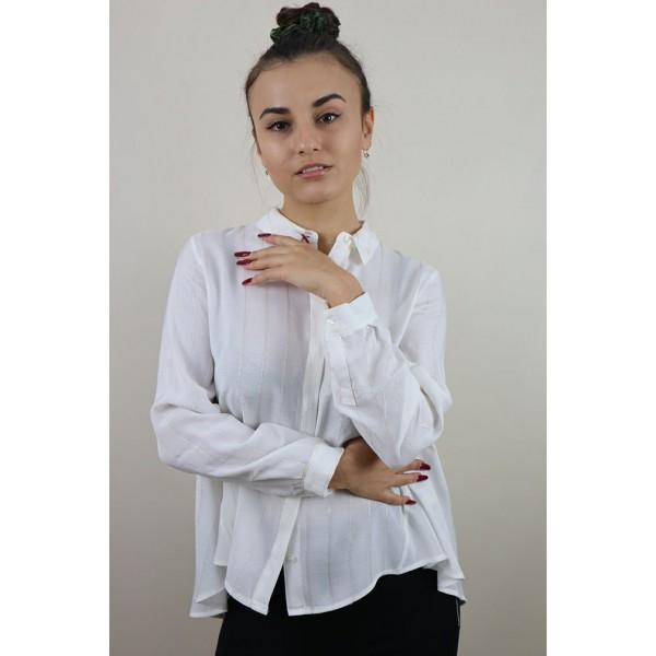 Biała koszula w delikatne prążki