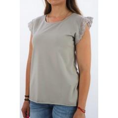 Beżowa bluzka damska MEGI z falbanką na rękawach