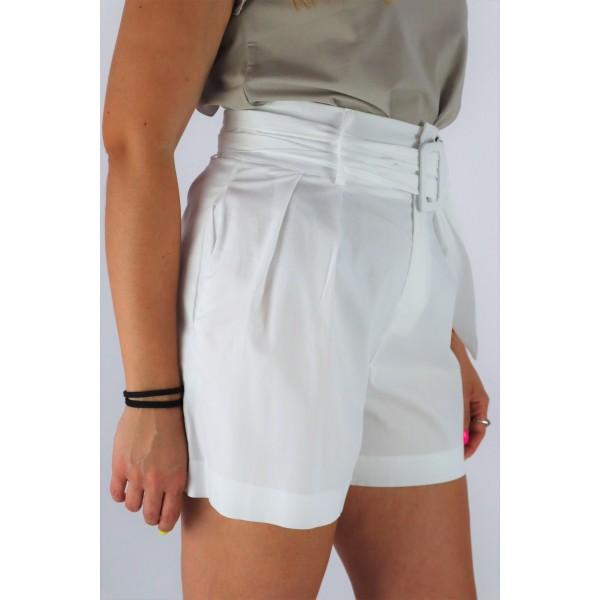Białe spodenki eleganckie damskie