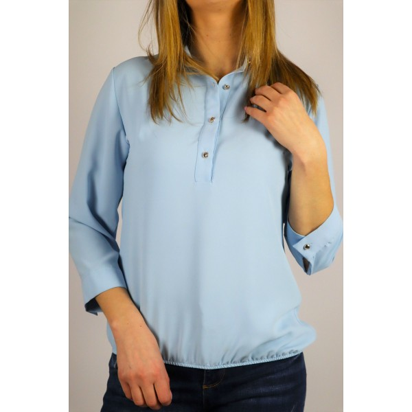 Błękitna bluzka koszulowa damska z ozdobnymi guziczkami i ściągaczem