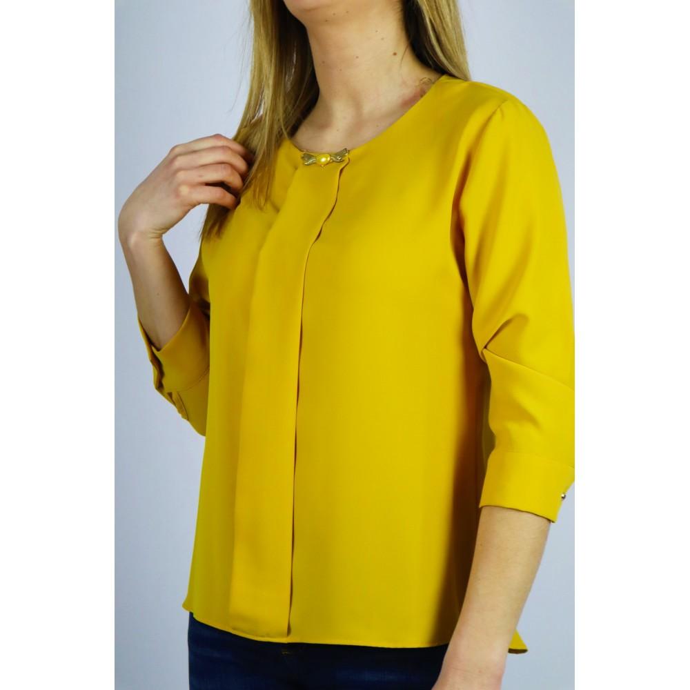 Musztardowa bluzka koszulowa z ozdobną ważką