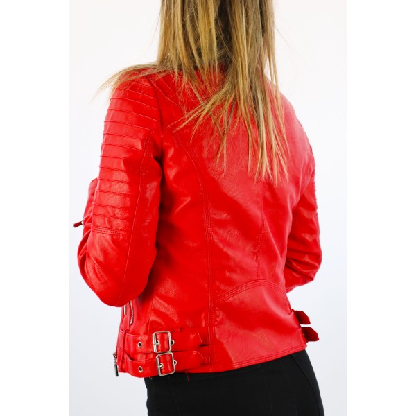 Czerwona kurtka damska z ekoskóry z pikowaniami