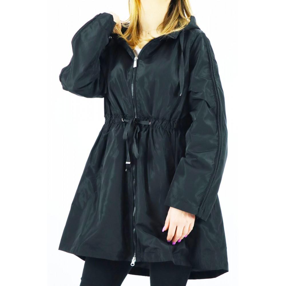 Czarny płaszczyk damski...