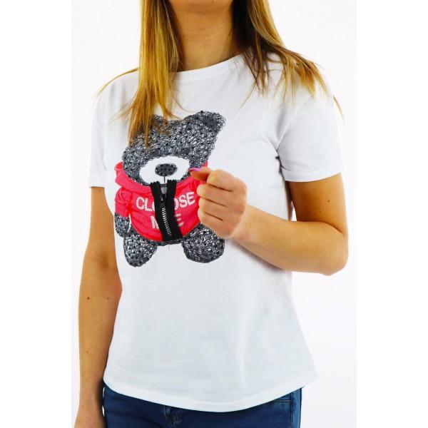 T-shirt damski biały z grafiką misia czarno-czerwonego