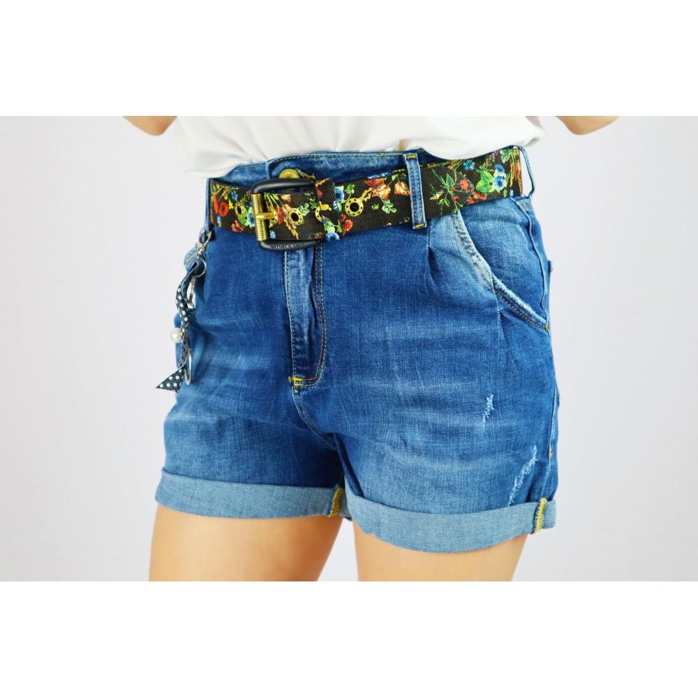 Spodenki jeansowe damskie z kolorowym paskiem i gadżetami