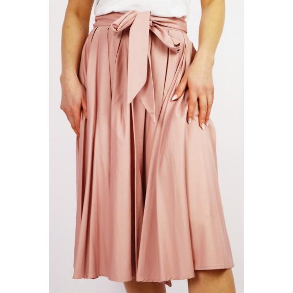Pudrowa spódnica damska midi z kloszowaniami