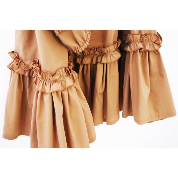 Koszulowa sukienka rozkloszowana z żabotem damska nude rozkloszowana