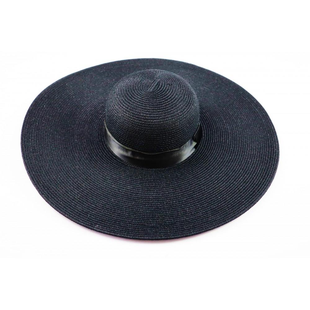 Czarny kapelusz damski z szerokim rondem