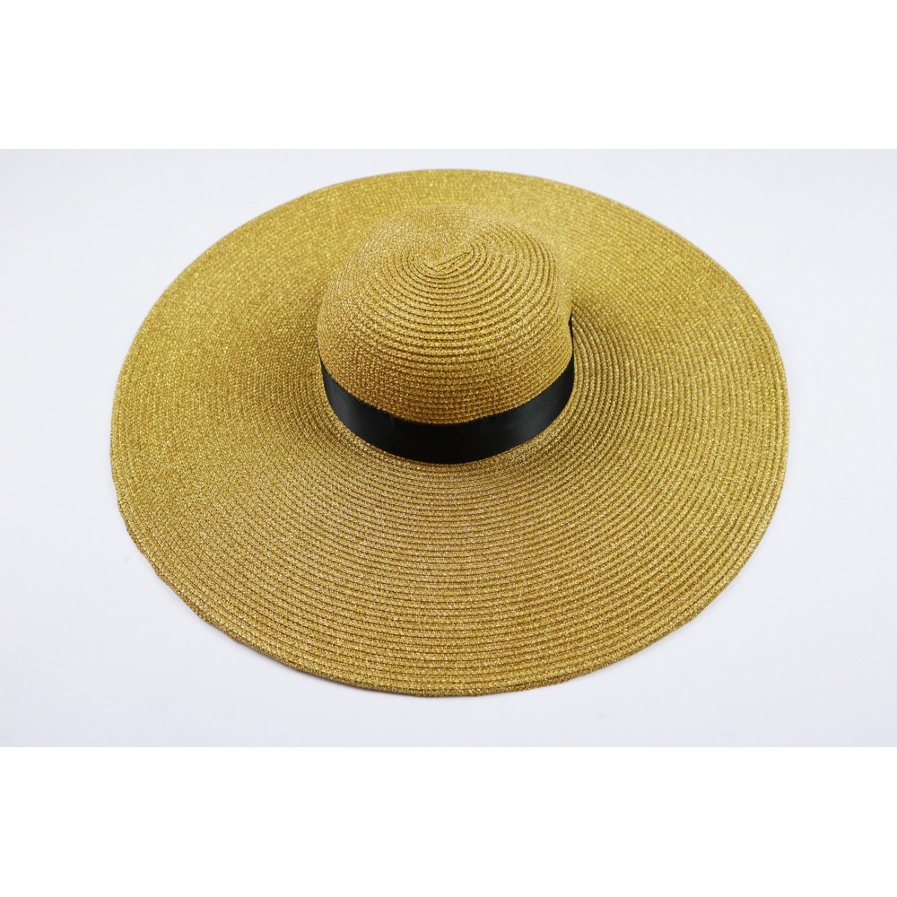 Słomkowy kapelusz damski z szerokim rondem