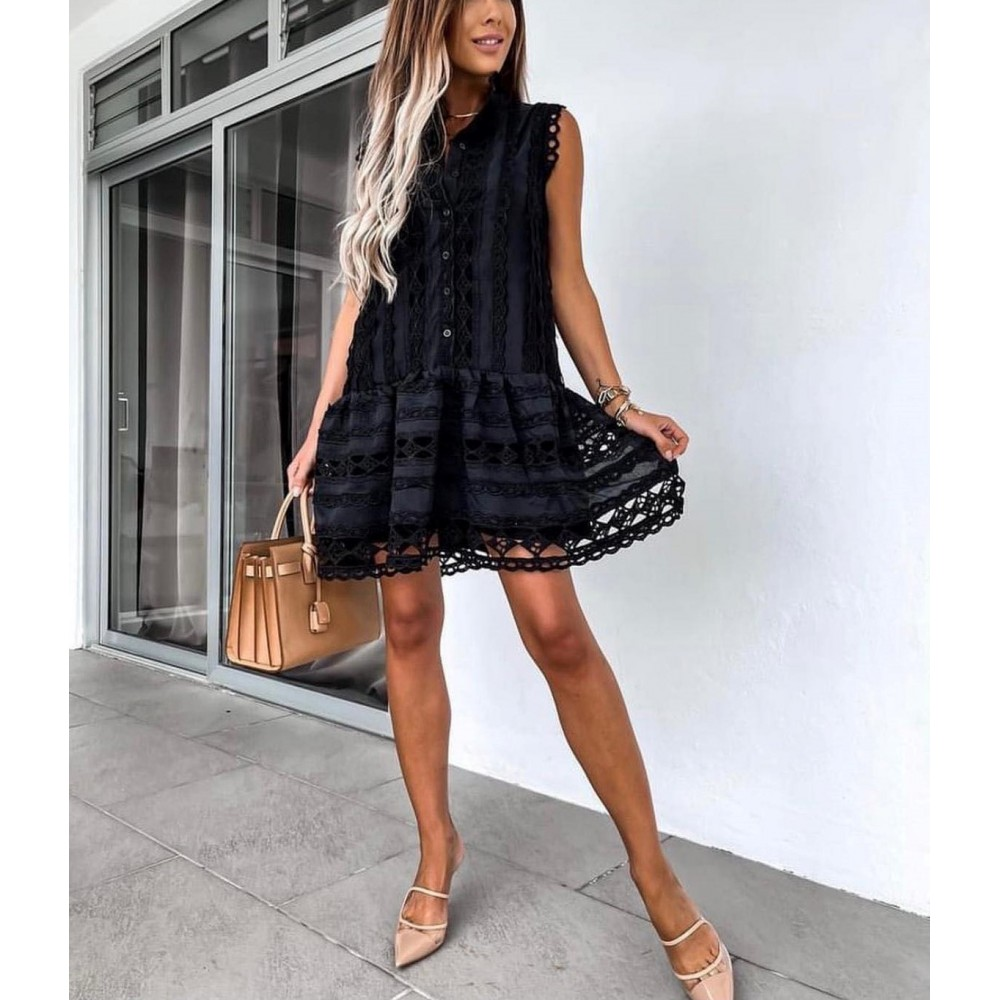 Czarna koronkowa sukienka damska elegancka