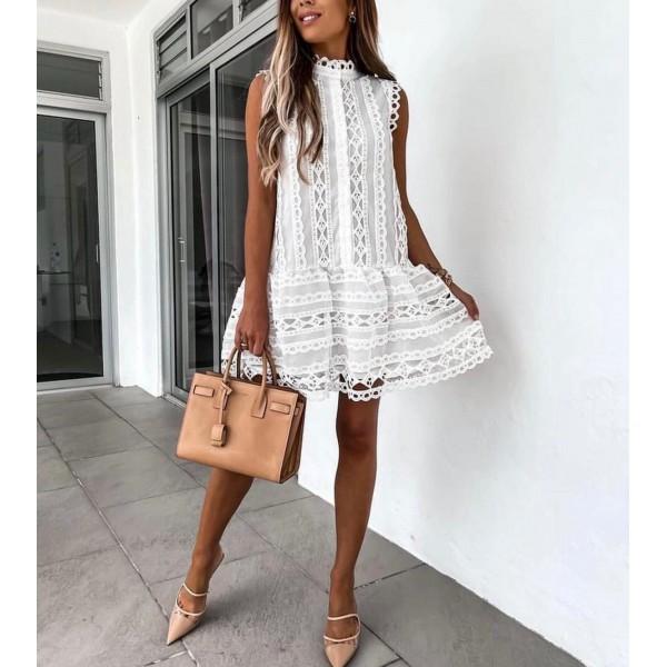 Biała koronkowa sukienka damska elegancka