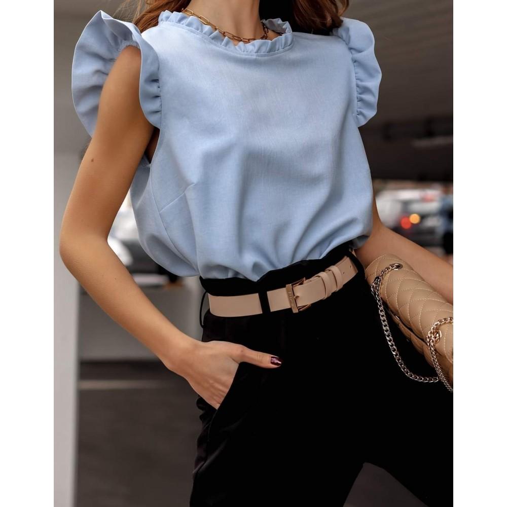 Błękitna bluzka damska z falbankowym rękawem