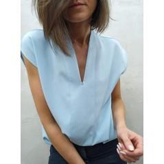 Błękitna bluzka damska elegancka bez rękawów
