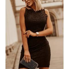 Dopasowana sukienka koronkowa czarna damska