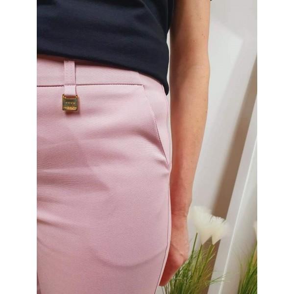 Materiałowe spodnie damskie w jasnoróżowym kolorze, od 38 do 48