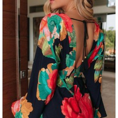 Dopasowana sukienka mini damska z szerokim rękawem