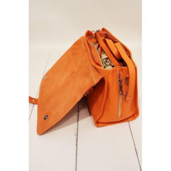 Skórzana pomarańczowa listonoszka ze srebrnymi dżetami