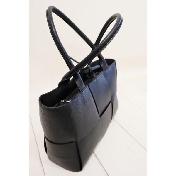Skórzana shopper bag z tłoczeniami